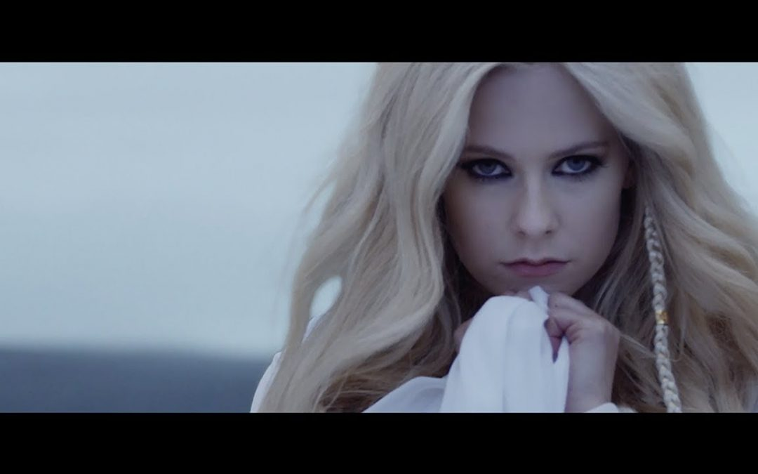 Avril Lavigne – Head Above Water (Official Video)